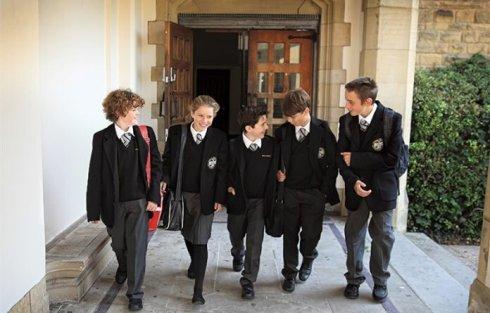 孩子什么年龄适合英国低龄留学?
