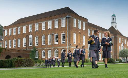 英国高中留学费用一览表