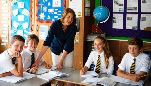 英国中小学留学选择公立还是私立学校?