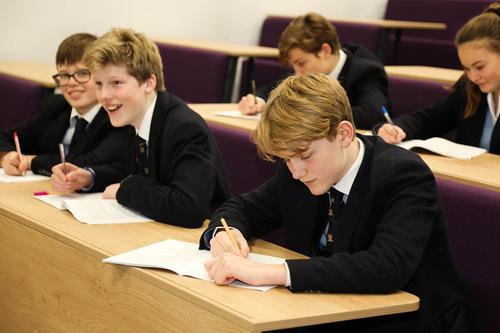 英国低龄留学必看,疫情期间需要注意事项
