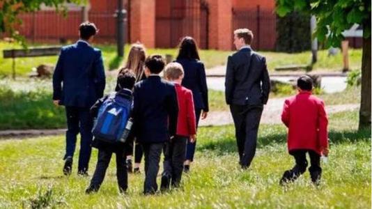 英国留学监护人服务