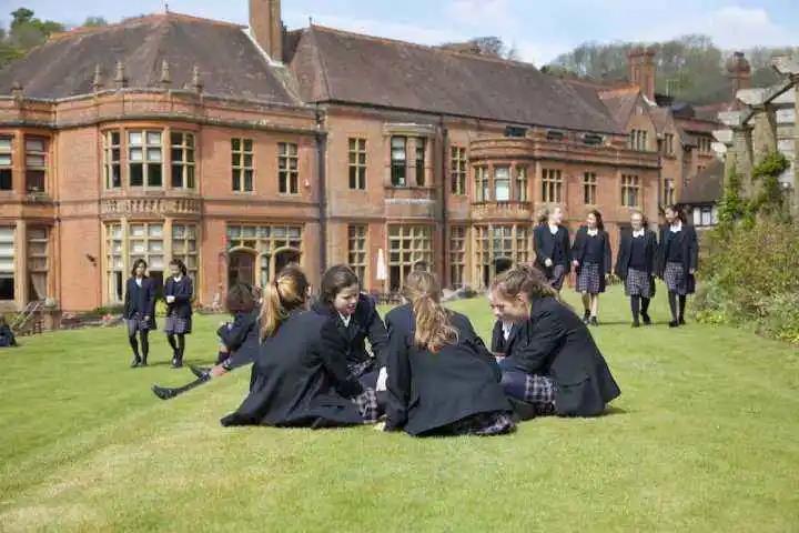 英国顶尖寄宿女子学校:Woldingham School 沃丁翰学校