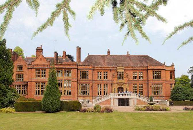 英国顶尖寄宿女子学校