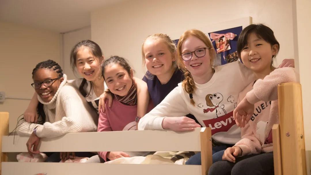 Godstowe school 英国第一所女子预备学校