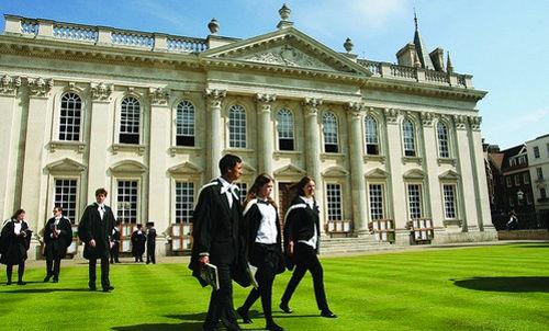 英国留学如何选校?不单要从专业上考虑
